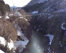 月山道の駅吊り橋全景